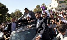Irānas prezidentu par telefonsarunu ar Obamu apmētā ar olām