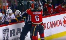'Flames' hokejists uzbrūk tiesnesim un tiek diskvalificēts uz nenoteiktu laiku