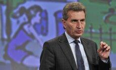 Aktīvisti peļ ES komisāra 'rasistiskos' izteikumus