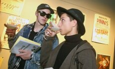 Foto: Rīgas hipsteru elite raujas pēc Kleinas jaunā grāmatžurnāla