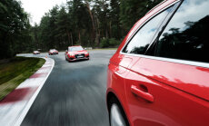 Foto: 'Audi RS3' un 'RS4' pieskandina Biķernieku trasi