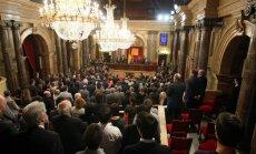 Katalonijas parlaments nolemj rīkot referendumu par neatkarību no Spānijas