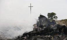 Ukrainā notriektās lidmašīnas avārijas vietā atrasti 196 bojāgājušo cilvēku līķi