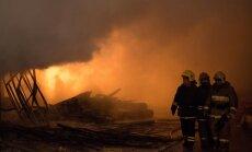 Diennakts laikā dzēsti 14 ugunsgrēki; viens cilvēks gājis bojā