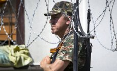 Luhanskā iebraukušas smagās automašīnas un autobusi ar kaujiniekiem no Slovjanskas
