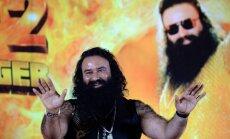 Indiešu garīgo guru notiesā par izvarošanu; sekotāji sāk grautiņus un līst asinis