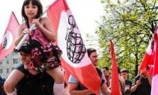 Латвия возмущена нападением нацболов на генконсульство в Санкт-Петербурге