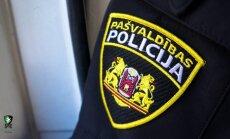 Tēvs Čiekurkalnā izsauc policiju, lai tiktu galā ar iereibušiem bērniem un viņu draugiem