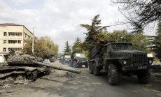 Krievijas-Gruzijas karam 10: Caur Roki tuneli Gruzijā iebrauc 300 tanki un bruņumašīnas