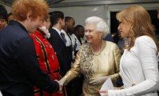 Londonā noticis vērienīgs Elizabetes II Dimanta jubilejas koncerts
