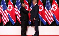 Трамп после теплой встречи с Кимом продлил санкции против КНДР