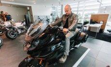 Foto: Latvijā prezentēts jaunais 'BMW K 1600 B' motocikls