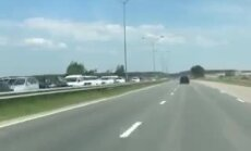 Video: Pie iebraukšanas Jūrmalā izveidojies milzu sastrēgums