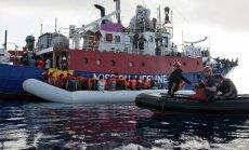 Itālija draud konfiscēt migrantu glābēju kuģus