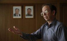 Ziemeļkoreja atbrīvo no apcietinājuma ASV tūristu, kurš naktsklubā atstāja Bībeli