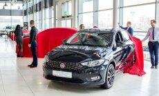Foto: Latvijā parādīts jaunais 'Fiat' sedans 'Tipo'