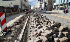 Līdz ar labvēlīgiem laikapstākļiem atsāks atjaunot Barona ielu