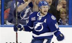 'Lightning' pagarina līgumu ar komandas kapteini Stemkosu