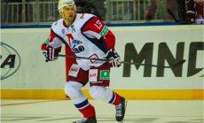 Jāņa Sprukta 'Lokomotiv' izbraukumā zaudē Omskas 'Avangard'