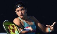 Sevastova Bukarestes WTA 'International' finālā pēc pirmā seta uzvar Martiču