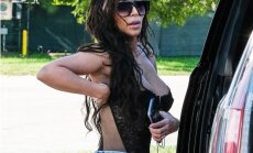 ФОТО: Ким Кардашьян прогулялась по Нью-Йорку в полуголом виде