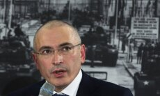 Krievijā veic kratīšanas Hodorkovska organizācijas darbinieku dzīvokļos