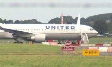 Lidmašīnai iekļūstot turbulencē, ievainoti 16 cilvēki; veic piespiedu nolaišanos