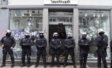 Foto: Hamburgā naktī turpinājušies grautiņi; cietuši 213 policisti
