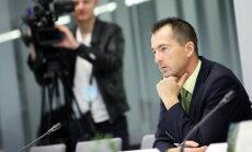 Prokuratūra pārbaudīs, vai Šlesers 'oligarhu lietas' komisijā melojis