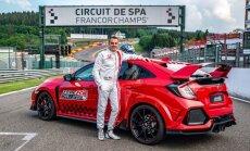 'Honda Civic Type R' kļuvis par ātrāko priekšpiedziņas auto Spā trasē
