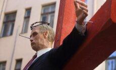 Krievija nosūta notu ĀM par Stūra mājā krustā piesisto 'Putina lelli'