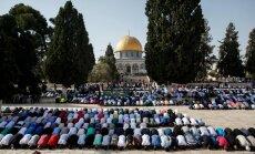 Jeruzalemes musulmaņi pēc divu nedēļu protestiem atgriezušies Al Aksas mošejā