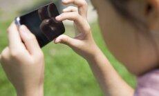 Aizputes vidusskolā skolēniem aizliedz lietot mobilos tālruņus