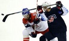 Video: ASV hokejisti sarūgtina Čehiju un turpina cīņu par medaļām