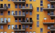 Rīgā no trešā stāva balkona izkritis piecgadīgs puika