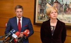Ušakovs Dzemdību nama algu lietu Čakšai nepalīdzēs risināt