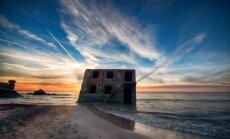 Iespaidīgi kadri: jūra atsegusi Karostas fortu drupas