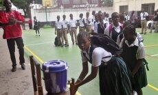 Libērijā atver Ebolas vīrusa dēļ jau pusgadu slēgtās skolas