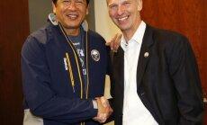 Ted Nolan meets with Dominik Hasek