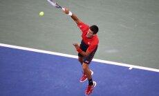Video: Nadals un Džokovičs 'US Open' finālā aizvada 54 sitienu garu izspēli