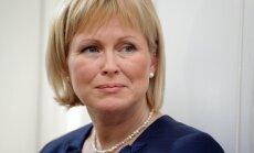 Kultūras ministre pārrunā iespēju Krievijā rīkot izstādi 'Dzimis Latvijā'