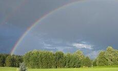 Ceturtdien gaidāms īslaicīgs lietus; iespējams arī pērkona negaiss