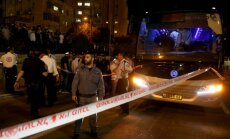 Izraēla piedzīvo šaušanas un duršanas uzbrukumu vilni; vairāki cilvēki nogalināti