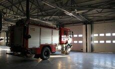 Foto: Cēsīs atklāj pirmo jaunuzcelto ugunsdzēsēju depo Latvijā