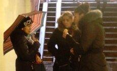 Policija sola ķert tunelī pie 'Stockmann' sirojošo kabatzagļu grupu