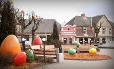 Kur košāk? Latvijas pilsētas šogad krāšņi izrotātas Lieldienām
