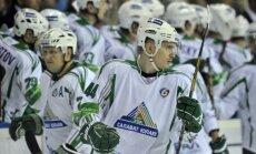 Kuldas pārstāvētā 'Salavat Julajev' komanda uzvar desmit vārtu guvumu spēlē