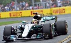 Hamiltons izcīna uzvaru F-1 sezonas pirmā posma kvalifikācijas sacensībās