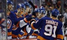 Nedēļas laikā divus 'hat-trick' guvušais Tavaress atzīts par NHL nedēļas labāko spēlētāju