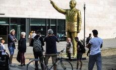 В Висбадене демонтируют золотую статую Эрдогана